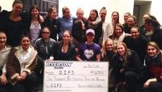 Women's-hockey-with-cheque