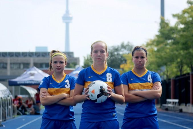 Left to right: Erin Dicaire, Madi Foote and Lindsey Hoffman. PHOTO: IZABELLA BALCERZAK