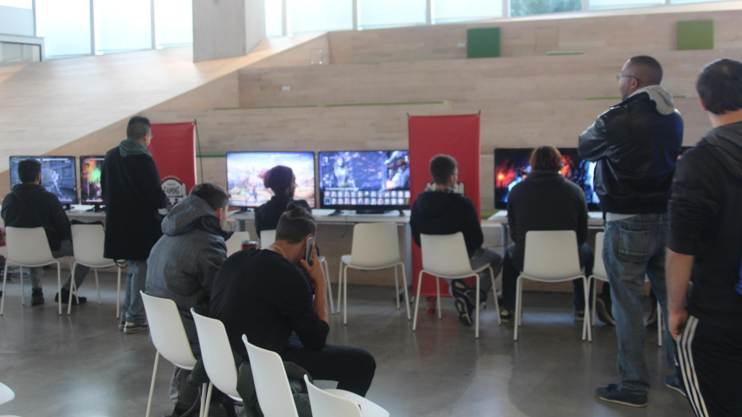 The tournament took place in the amphitheatre of the Student Learning Centre.